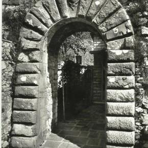 L'anonima Porta Ovest di Castellina in Chianti. L'origine, la proprietà e la funzione